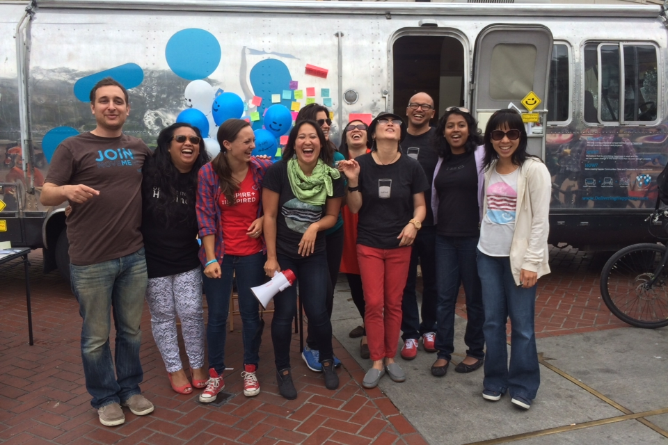 """RAH's """"Random Acts of Happiness"""" on International Day of Happiness 3/20 in SF"""