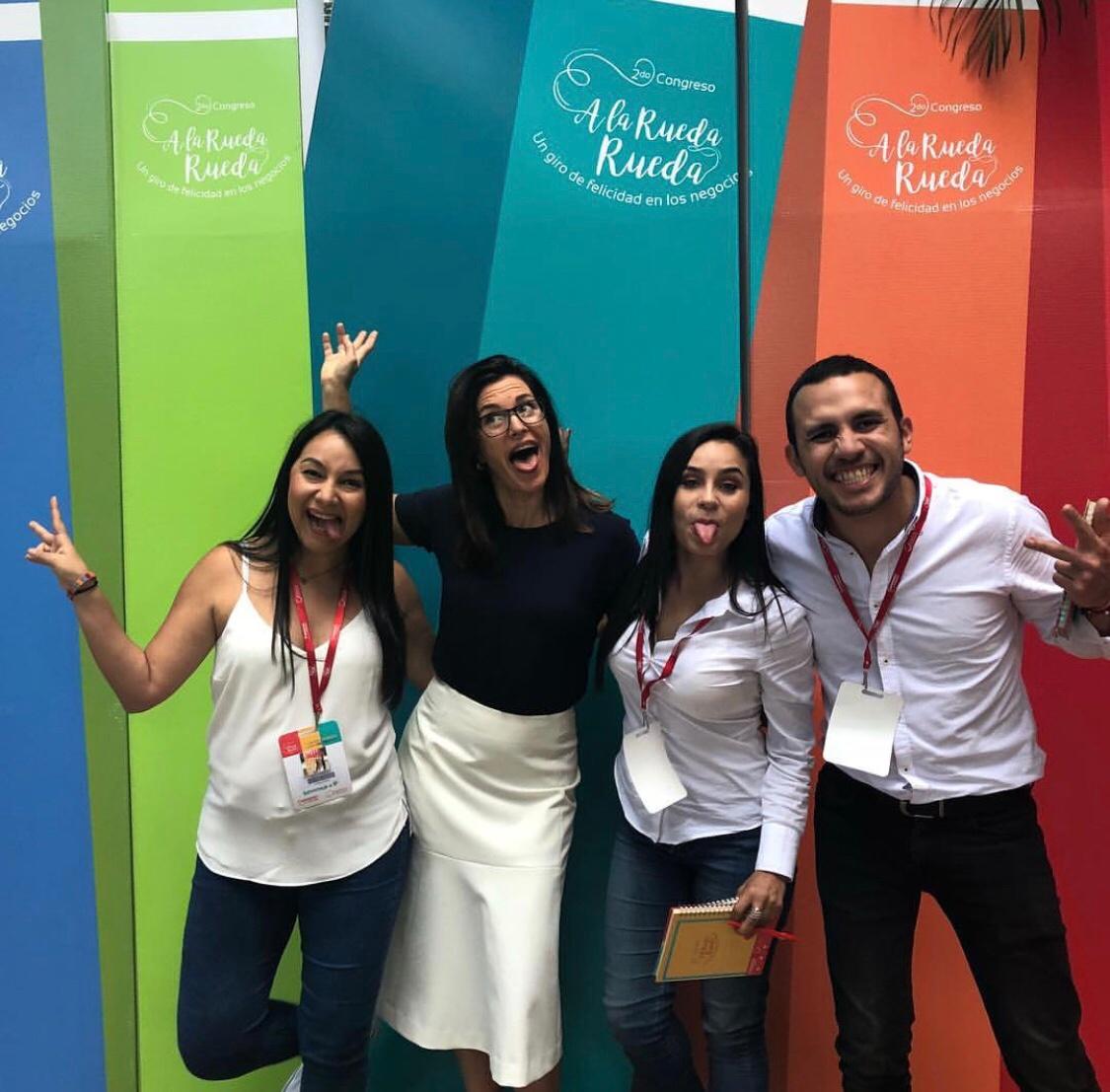Sunny A la Rueda Rueda Happiness Congress Colombia